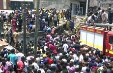 Sập một tòa chung cư ở Nigeria, nhiều trẻ em bị mắc kẹt