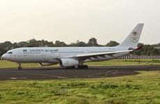 Máy bay phải quay đầu vì hành khách bỏ quên con gái ở sân bay