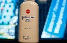 Johnson & Johnson phải bồi thường 29 triệu USD cho một nữ khách hàng