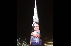 Ảnh Thủ tướng New Zealand được chiếu lên tòa nhà chọc trời ở Dubai