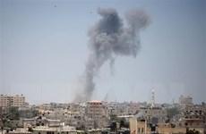 Xe tăng Israel bắn pháo vào vị trí của Hamas ở Dải Gaza