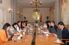 Đoàn công tác Hội Liên hiệp Phụ nữ trao đổi kinh nghiệm tại Đức