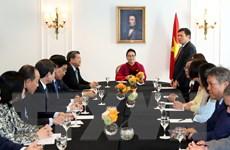 Chủ tịch Quốc hội gặp BCH Liên hiệp các Hội người Việt tại châu Âu
