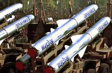 Nga-Ấn Độ hợp tác tăng tầm bắn tên lửa hành trình BrahMos
