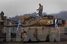 Israel đáp trả hàng chục quả rocket từ Dải Gaza bắn sang