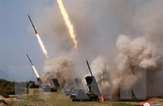 Hàn Quốc: Triều Tiên thử vũ khí dẫn đường và giàn phóng rocket mới