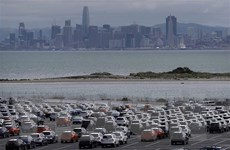 Tổng thống Donald Trump hoãn kế hoạch tăng thuế ôtô nhập khẩu