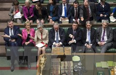 Nội bộ Anh phản ứng trái chiều sau thông báo từ chức của Thủ tướng May