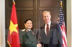 Bộ trưởng Quốc phòng Ngô Xuân Lịch gặp Quyền Bộ trưởng Quốc phòng Mỹ