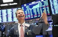 Sắc xanh bao phủ sàn chứng khoán Mỹ sau tín hiệu có thể hạ lãi suất