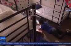 [Video] Cận cảnh bên trong trung tâm tị nạn cho trẻ em tại Mỹ