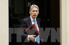 Bất đồng quan điểm, Bộ trưởng Tài chính Anh Philip Hammond từ chức