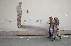 Iran: Phụ nữ có thể ngồi tù đến 10 năm nếu công khai cởi khăn trùm đầu