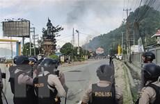 Cảnh sát chống bạo động Indonesia mạnh tay giải tán người biểu tình