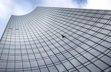 'Người nhện' bị bắt sau khi chinh phục đỉnh tháp Skyper ở Frankfurt