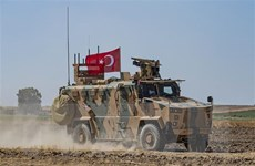 Quân đội Thổ Nhĩ Kỳ bắt đầu vượt biên giới tiến vào Syria