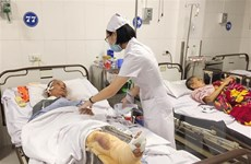 Vụ xe tải đấu đầu xe khách ở Nghệ An: Chuyển 3 nạn nhân ra BV Việt Đức