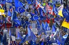 'Chết vào một ngày khác' và loạt phim dài tập Brexit