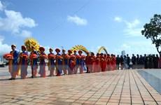 Công nhân nghèo hạnh phúc trong đám cưới tập thể ở Đà Nẵng