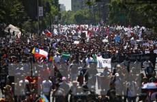 'Người dân xuống đường,' thế giới đang trở nên bất ổn hơn?