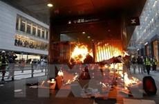 Cảnh sát Hong Kong bắn đạn hơi cay để giải tán người biểu tình