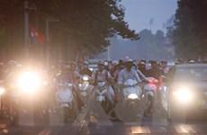 Nồng độ bụi mịn PM2.5 ở Hà Nội đang tăng theo từng giờ