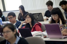 Quan chức Mỹ phủ nhận hạn chế thị thực đối với sinh viên Trung Quốc