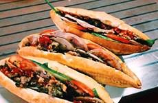 [Video] Đến Hội An nếm món bánh mỳ Phượng nức tiếng gần xa