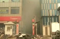 Cháy nổ gây sập nhà máy ở Ấn Độ, nhiều người bị chôn vùi