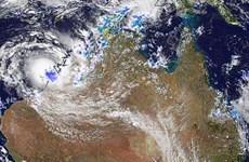 Bão nhiệt đới gây mưa lớn nhưng không giúp dập lửa ở Australia