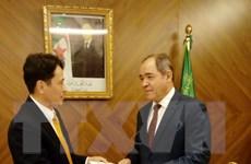 Tổng thống Algeria đánh giá cao những thành tựu của Việt Nam
