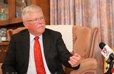 Giáo sư Carl Thayer: Đổi mới là chính sách lớn có ý nghĩa của Việt Nam