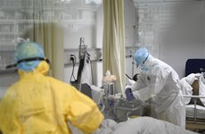 Bác sỹ ở Vũ Hán khẳng định virus corona có thể lây từ mẹ sang con