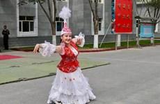 'Nữ thiên thần' và điệu nhảy chiến thắng bệnh tật ở tâm dịch Vũ Hán