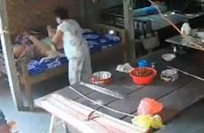 Tiền Giang: Xử lý vụ con dâu và con trai đánh đập mẹ già 88 tuổi