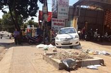 Xe ôtô đỗ trên đoạn đường dốc, tuột xuống gây tai nạn chết người