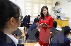 Áo dài trên bục giảng - nhân lên nét đẹp của người phụ nữ Việt Nam