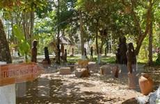 Giữ hồn tượng gỗ dân gian trên mảnh đất Tây Nguyên đại ngàn