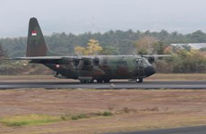 Indonesia điều máy bay quân sự nhận trang thiết bị y tế từ Trung Quốc