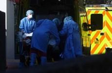 Anh ưu tiên xét nghiệm virus SARS-CoV-2 cho đội ngũ y tế