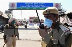 Các nhà lãnh đạo Ấn Độ giảm lương đóng góp cho quỹ chống COVID-19