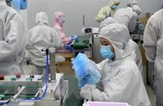 Doanh nghiệp Trung Quốc đẩy mạnh sản xuất nguyên liệu làm khẩu trang
