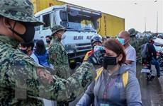 Người dân vẫn đổ ra đường, Philippines cảnh báo sẽ thiết quân luật