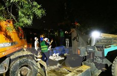 Hồ Hoàn Kiếm bị xuống cấp, nhiều đoạn sụt lún nghiêm trọng