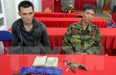 Sơn La: Bắt 2 đối tượng mua bán 2 bánh heroin, 1.000 viên hồng phiến