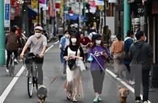 Thủ tướng Nhật Bản hối thúc người dân thích nghi với 'bình thường mới'