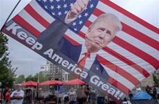 Tổng thống Donald Trump duy trì lợi thế về vận động quỹ tái tranh cử