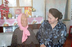 Chủ tịch Quốc hội Nguyễn Thị Kim Ngân làm việc tại Bà Rịa-Vũng Tàu