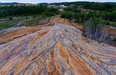 Nga điều tra tình trạng rò rỉ hóa chất độc hại tại một khu mỏ hoang