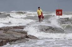 Mỹ: Bão nhiệt đới Hanna đe dọa gây ra lũ quét ở bờ biển bang Texas